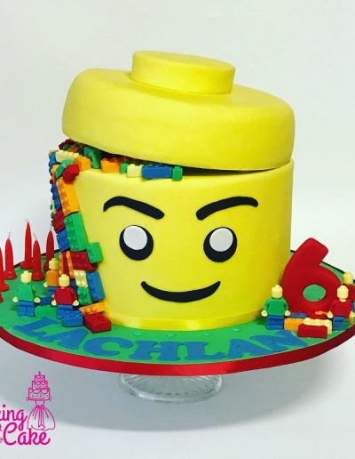 Legoheadcake-kidsbirthday